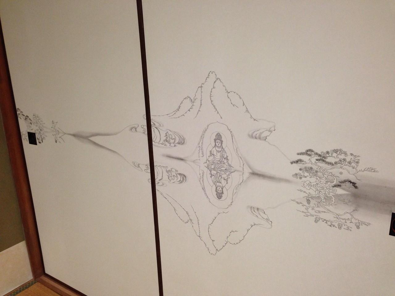 小鐡さんが描いた襖絵。水面に映る姿が変わっている。