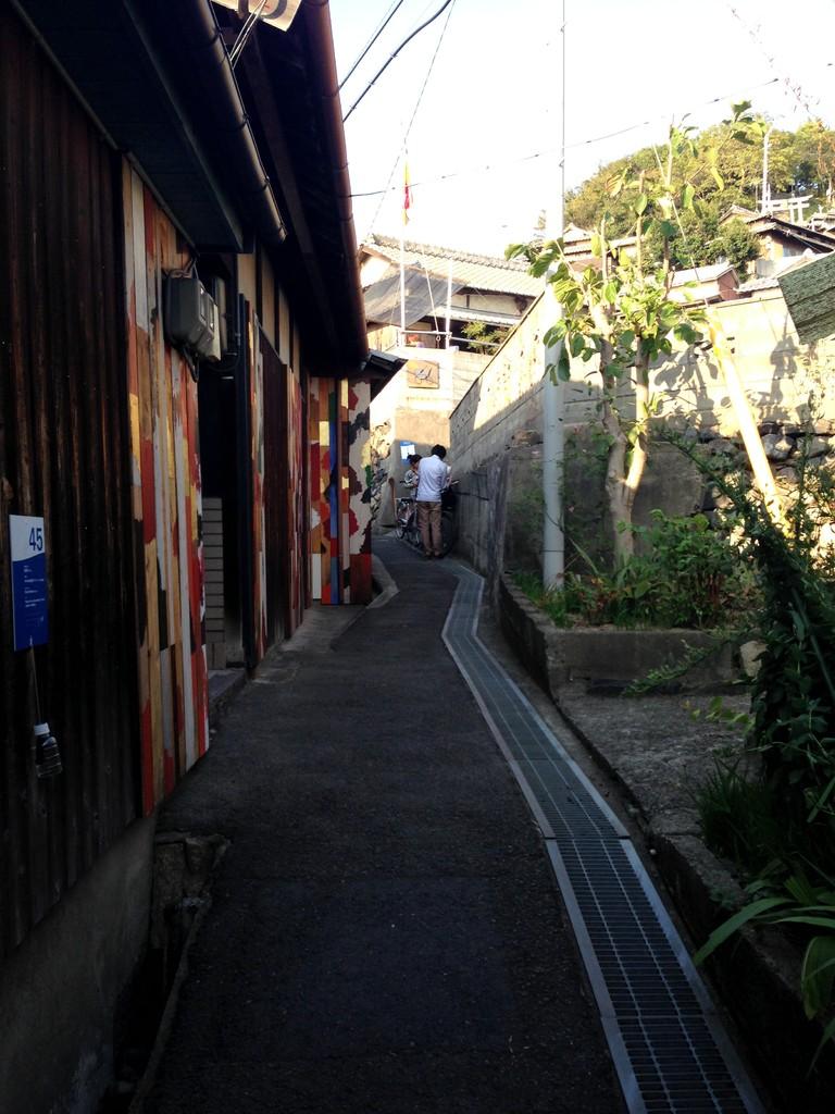 男木島の細道