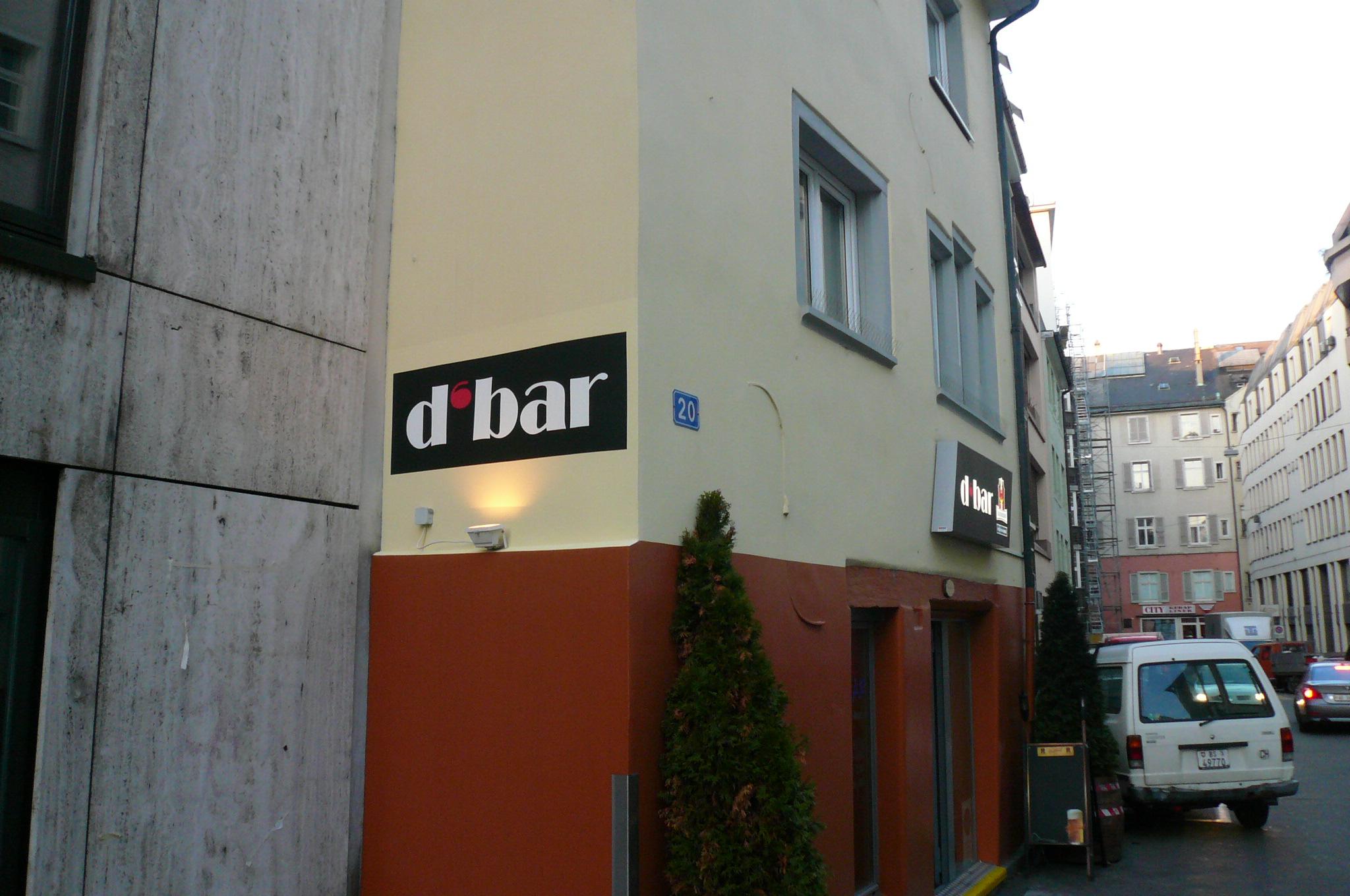 Fertig gestrichene Beschriftung, Birsig-Parkplatz in Basel.