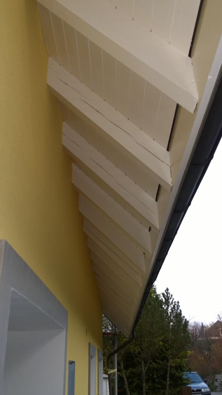 Dachuntersicht neu gestrichen in Liestal.