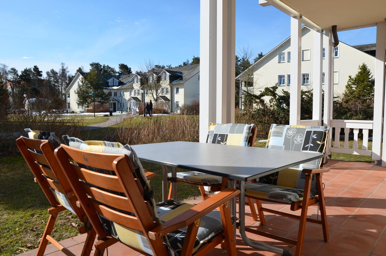 Genießen Sie die sonnige Terrasse