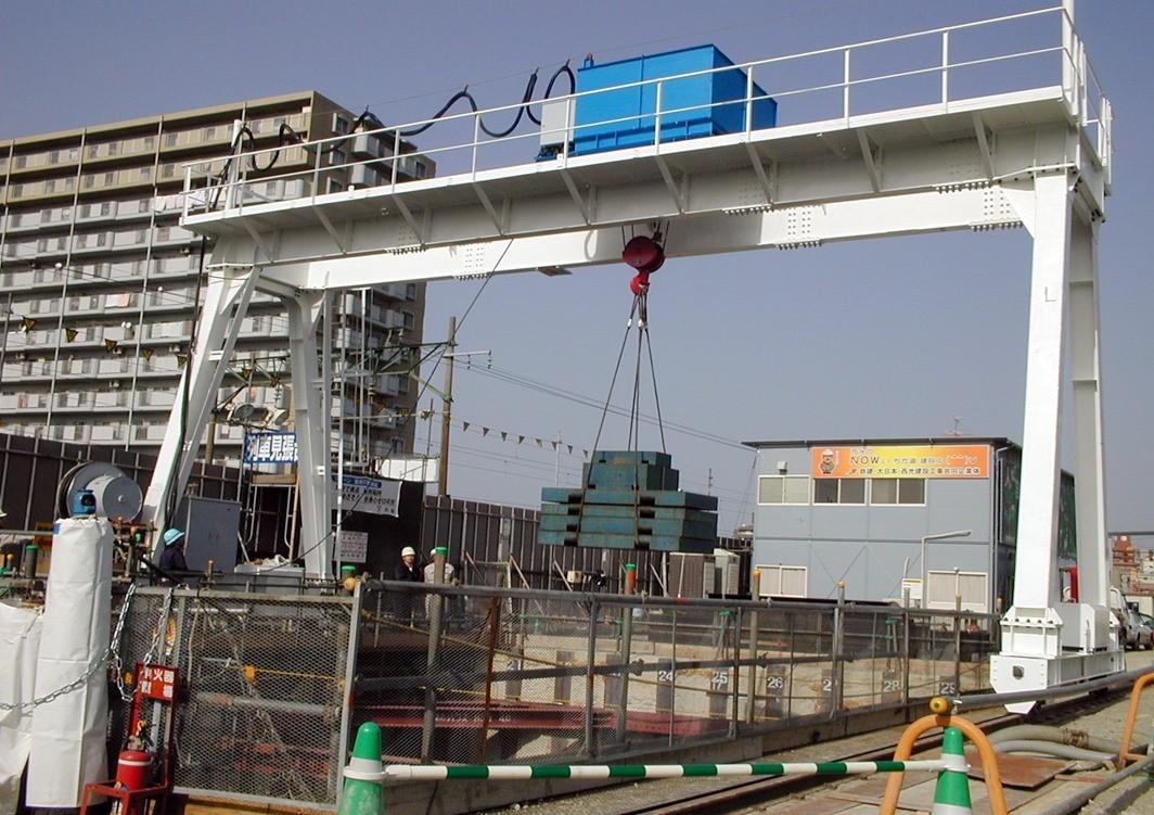 鉄建・大日本・西光建設JV 様 (福岡市東区松崎・シールド工事) 橋型クレーン 10t × S12000(クラブ式)