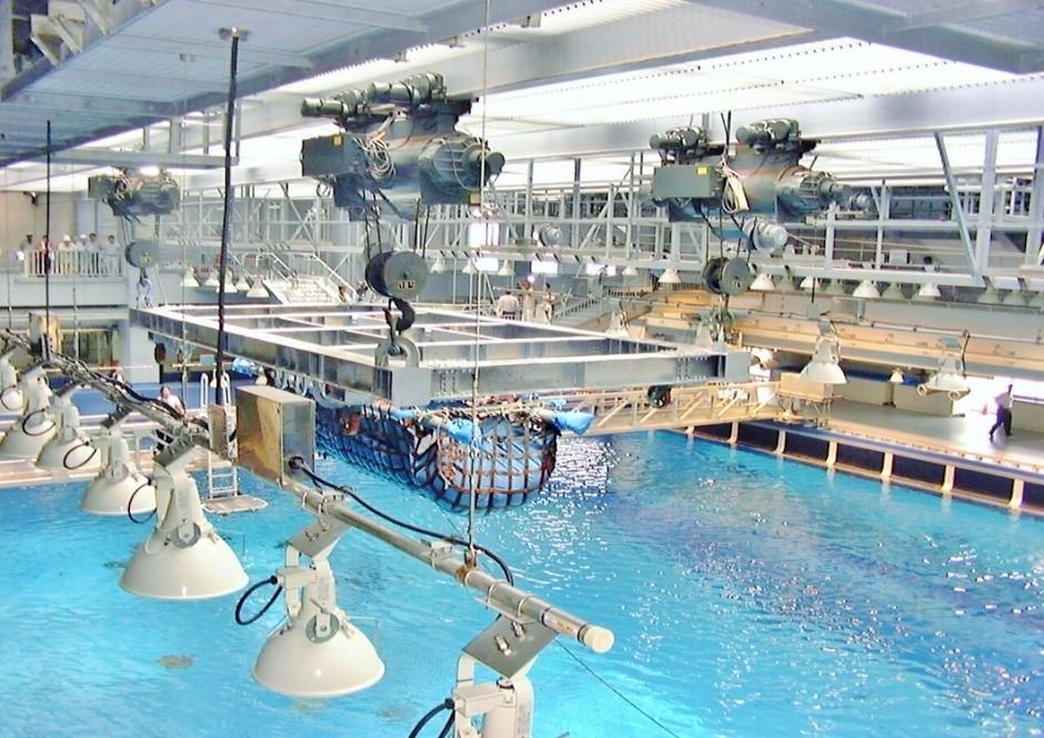 沖縄美ら海水族館 様 テルハクレーン 10ton 4台