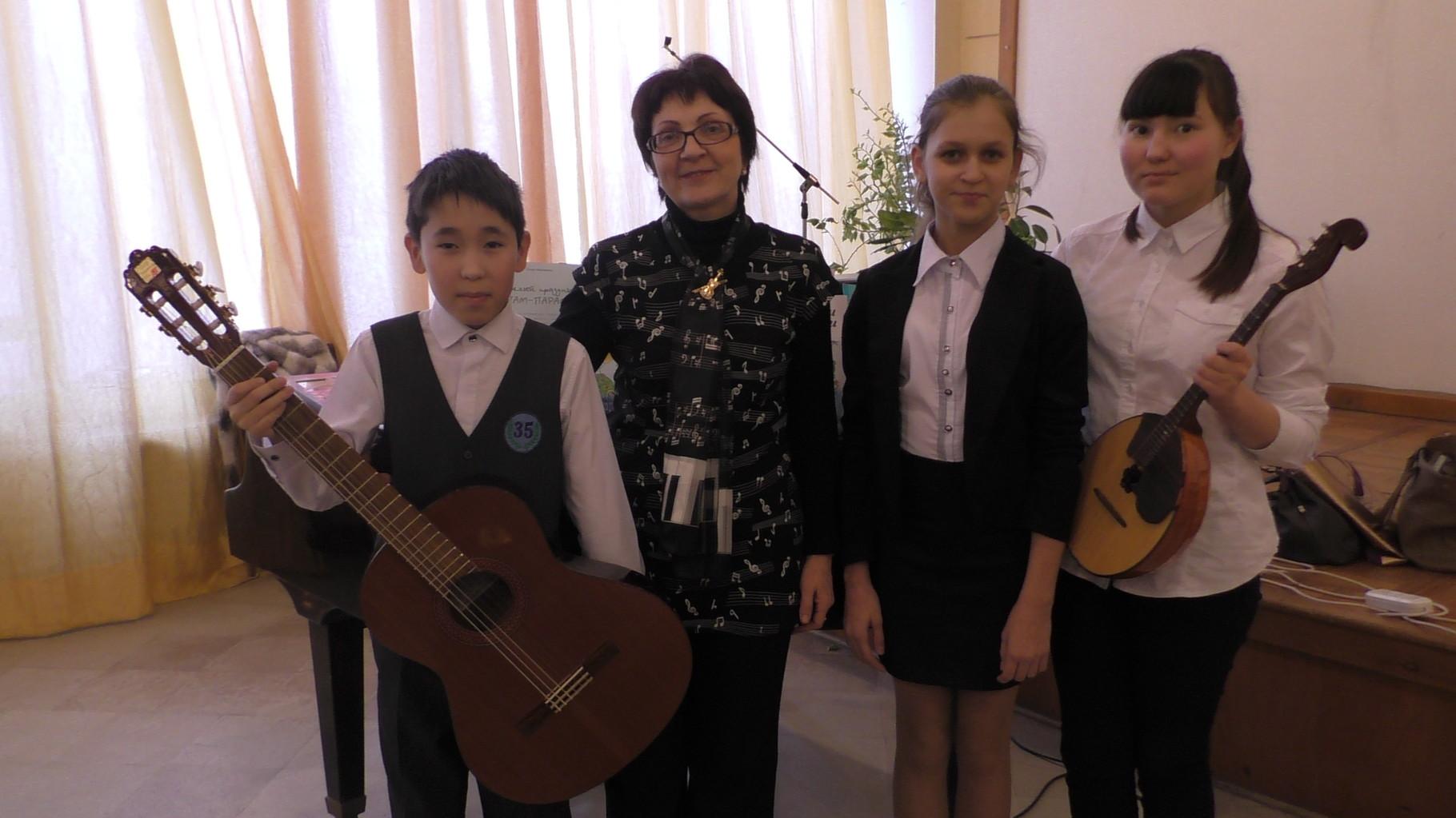 Композитор с участниками концерта