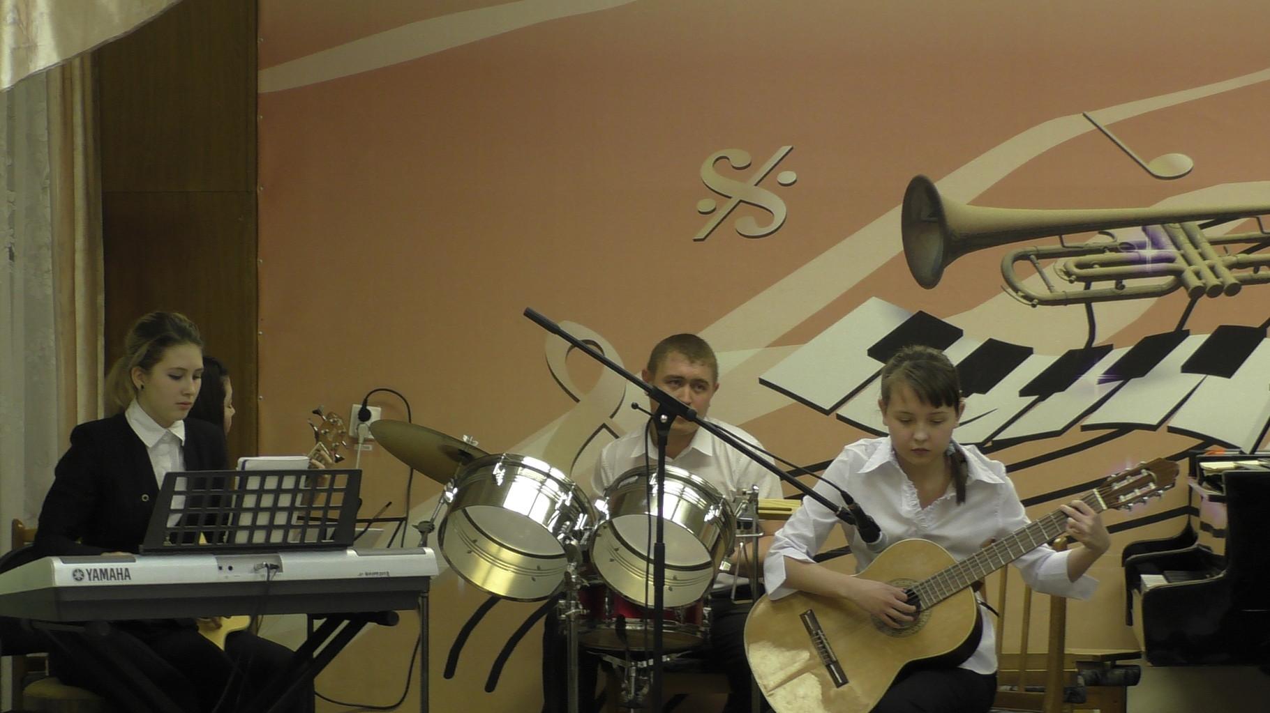 Инструментальный ансамбль «Style, руководитель Казыханов И.Р.