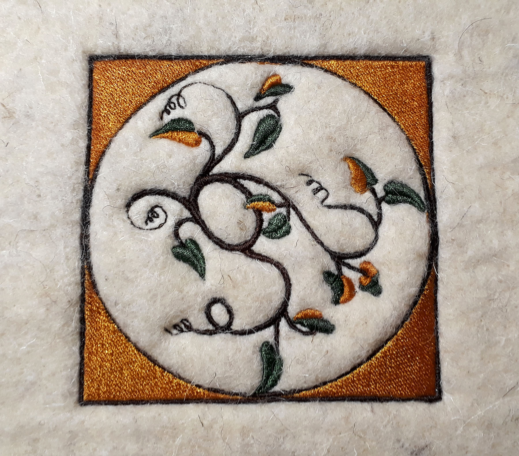 Broderie sur laine feutrée fine