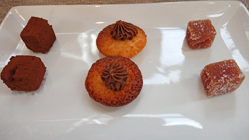 Mignardises : Pâte de fruit coing/gingembre – Financier chocolat – « Arachnéenne » Guimauve au cacao