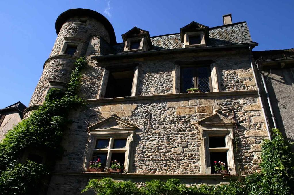 """Sainte-Eulalie d'Olt, une maison """"renaissance"""""""
