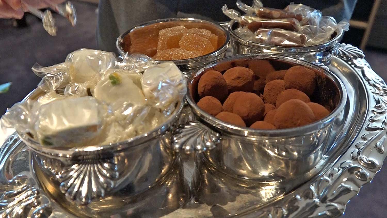 Friandise au choix : Nougat - Pâte de fruits aux pommes - Truffe au chocolat - Caramel au beurre salé