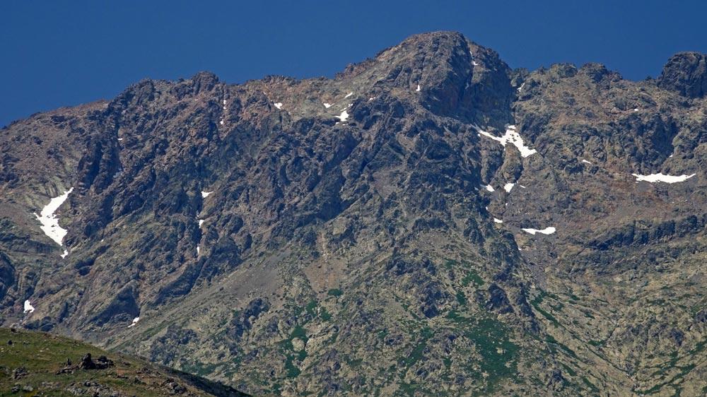 Mont Cinto vu depuis la route menant à Corte