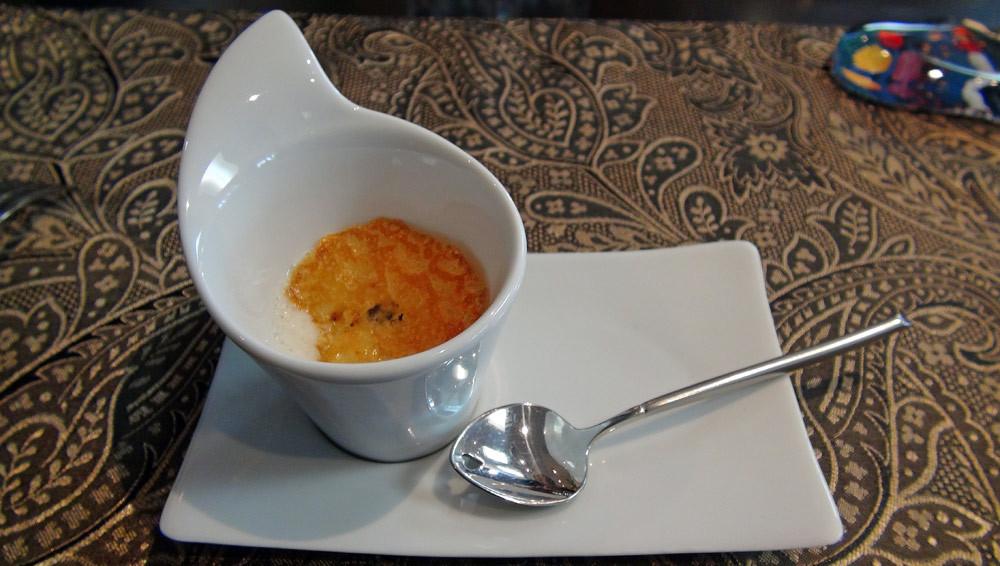 Patience : Potage de cèleri-rave & chips de fromage au gruyère