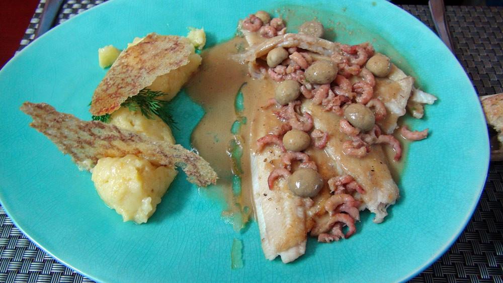 Solette dorée de la baie de Cancale, pommes de terre écrasées et citron confit