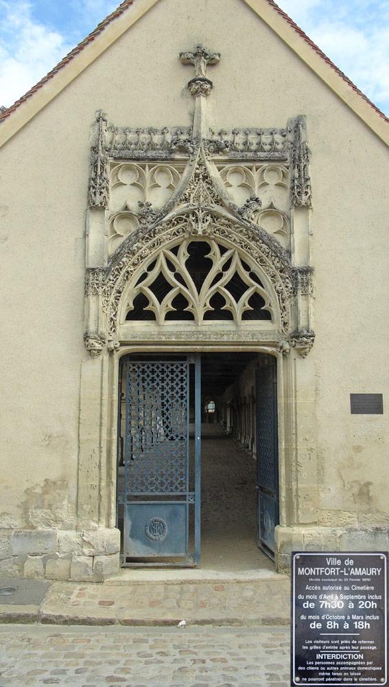 Porte d'entrée du cimetière