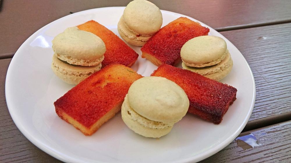 Mignardises : Macaron pistache et Financier