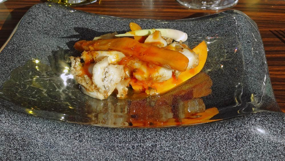 Ormeaux rôtis à la citronnelle, jus orange, carotte et citron