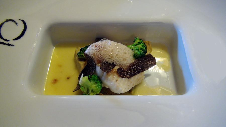 Filet de sole, artichaut & truffe, bouillon de beurre noisette