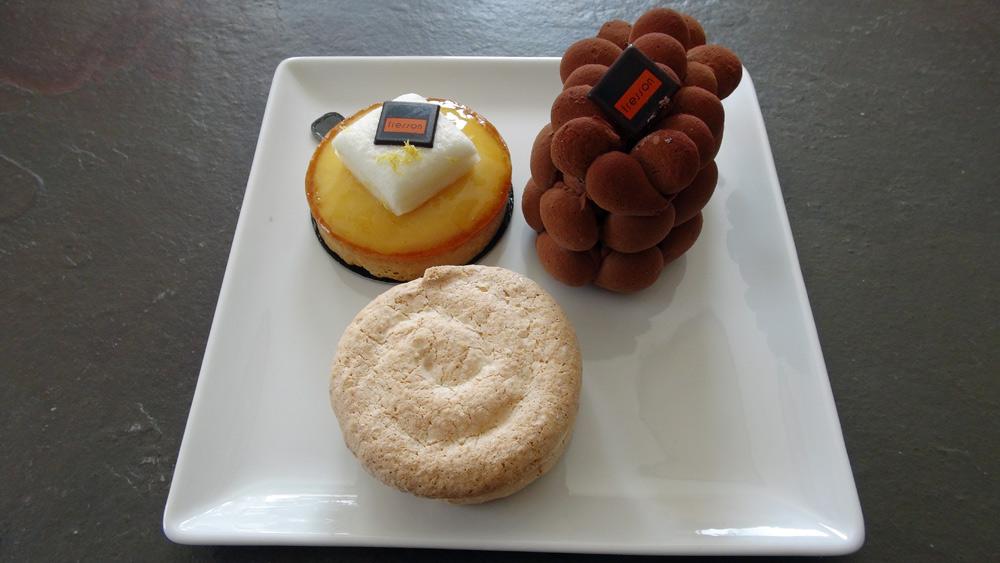 Gâteaux individuels achetés
