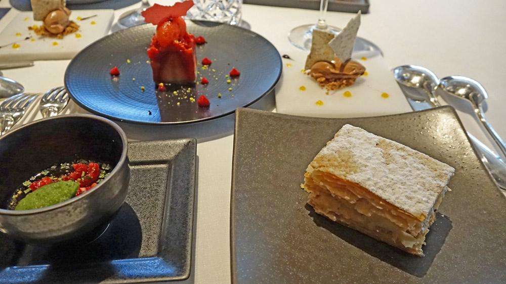 """Les quatre desserts """"surprise"""" du chef pâtissier Clément Rouille"""