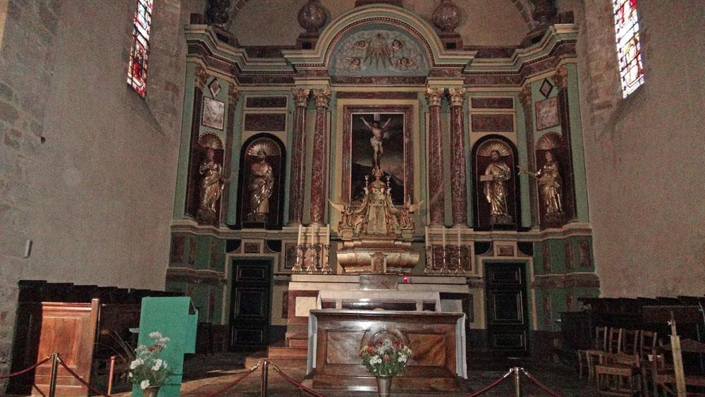 Saint-Céré : L'autel de l'église Sainte-Spérie