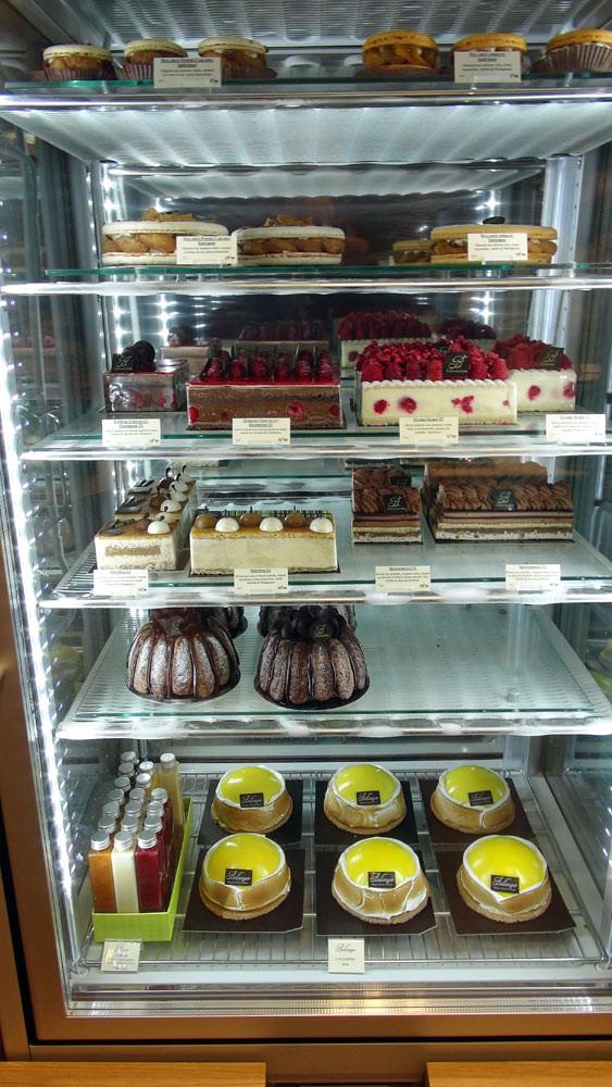 Gâteaux congelés en attente