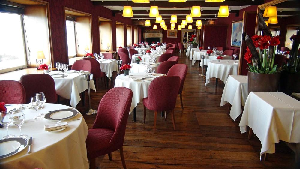 La salle à manger, vue depuis l'entrée