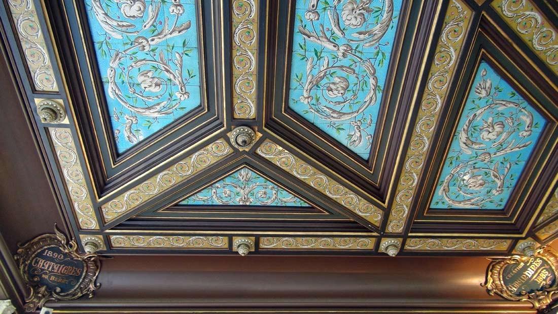 Le plafond et 2 spécialités (Châtaignes et Amandines)