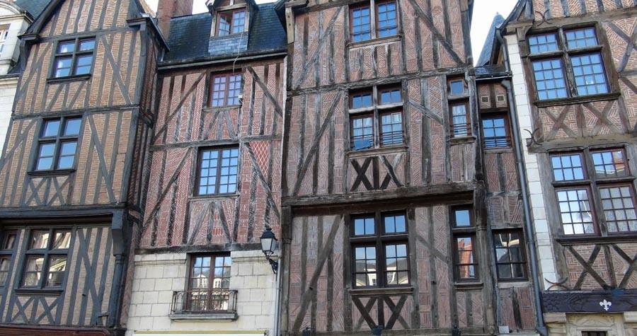 Maisons du 15 ème siècle de la place Plumereau