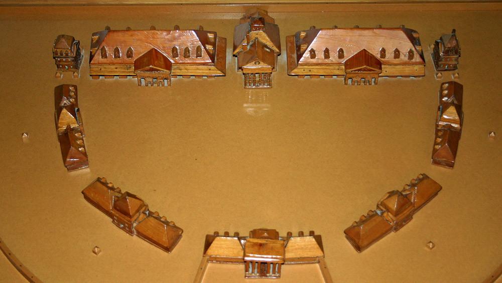 Arc-et-Senans, maquette en bois des installations