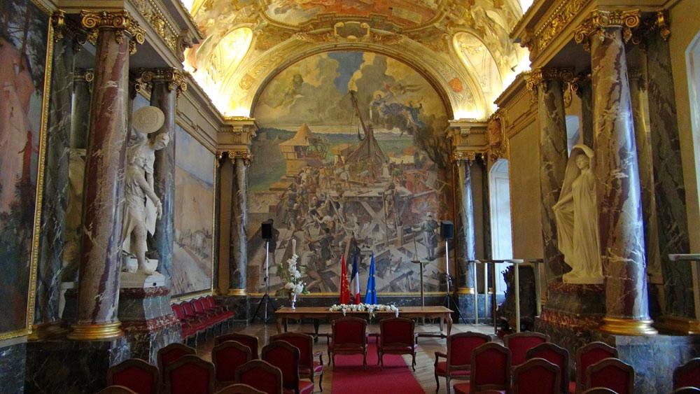 Mairie de Toulouse : la salle des Illustres, côté mariage
