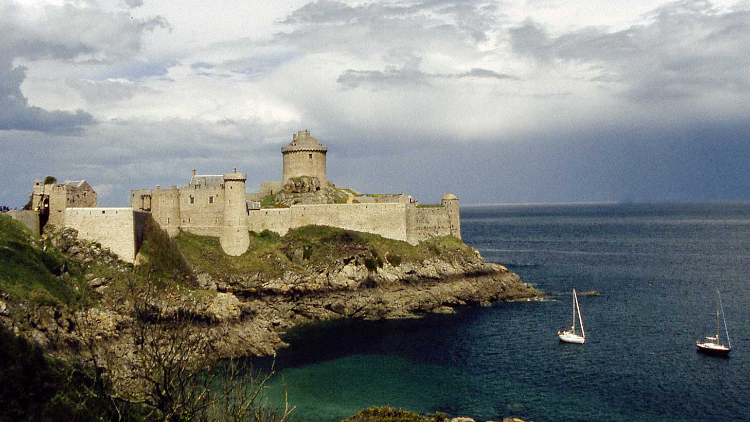 Le Fort la Latte le 23 avril 2000