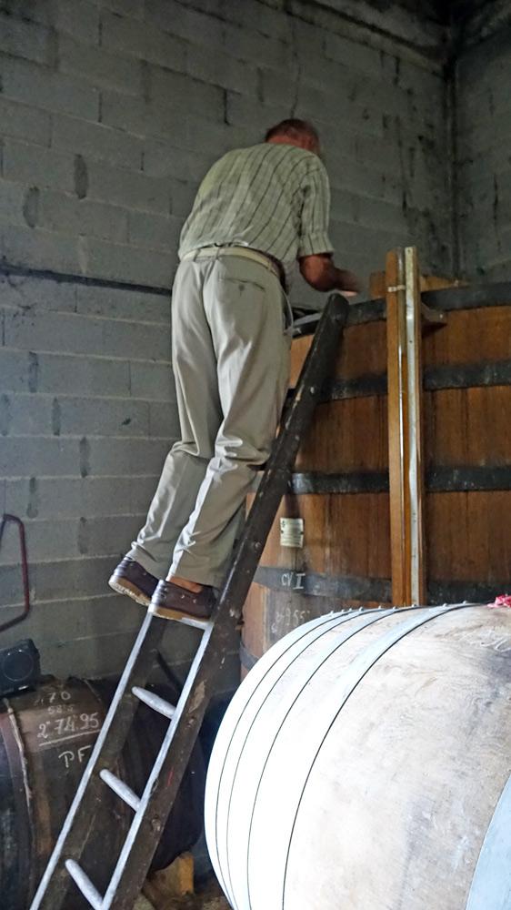 Pascal Fillioux va nous ouvrir un foudre de vieillissement de Cognac