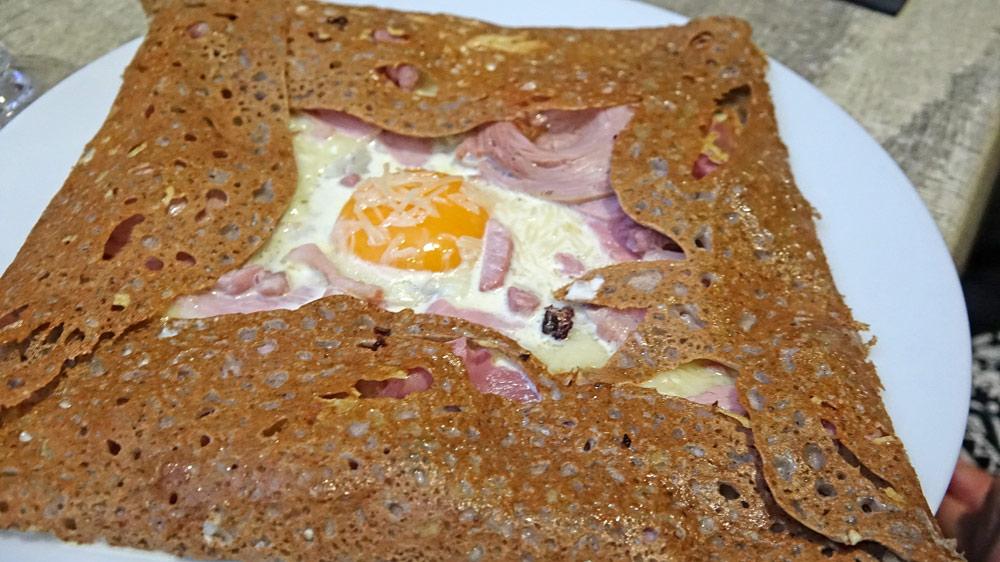 Super complète (fondue d'oignons et coulis en plus)