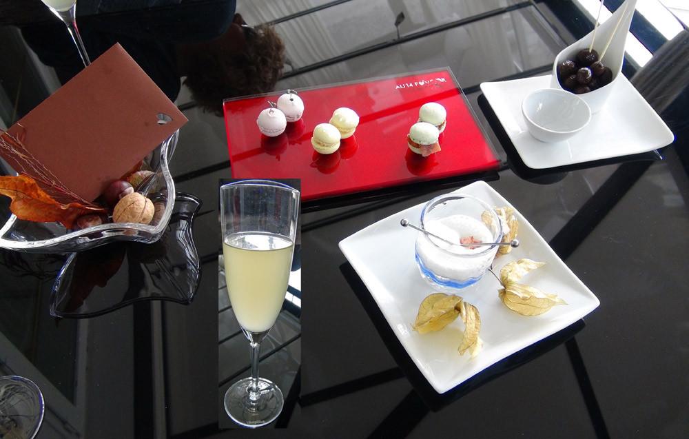 Les 3 macarons pour l'apéritif (Canard, Gingembre/chou-fleur, Confiture de coing) et le Physalis enrobé de jambon cru & émulsion menthe