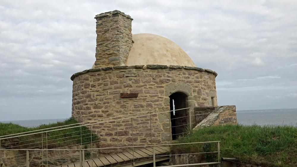 """La tour des archers, fin 17ème, appelée aussi """"échauguette"""""""