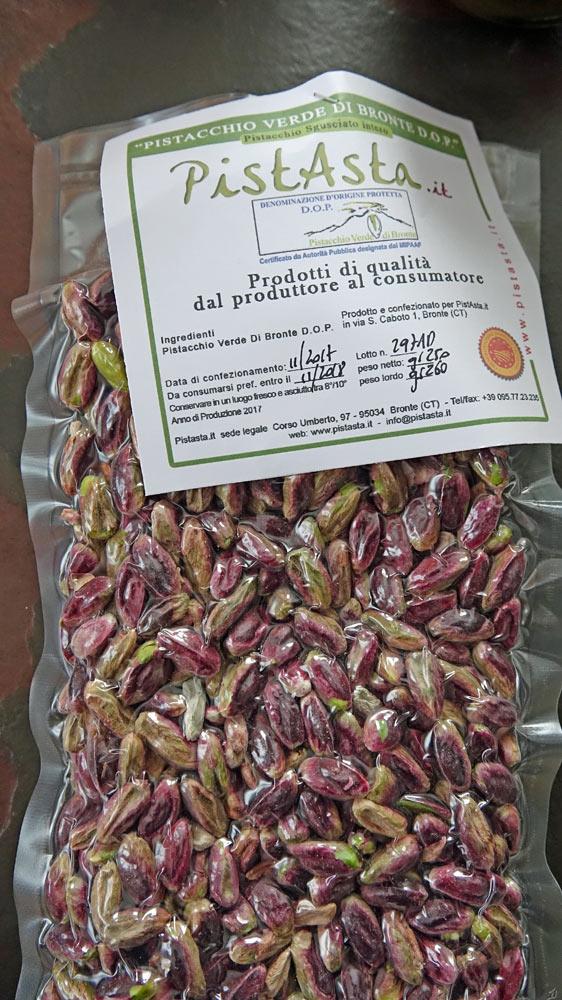 Les pistaches de Bronte avec leur étiquette de traçabilité