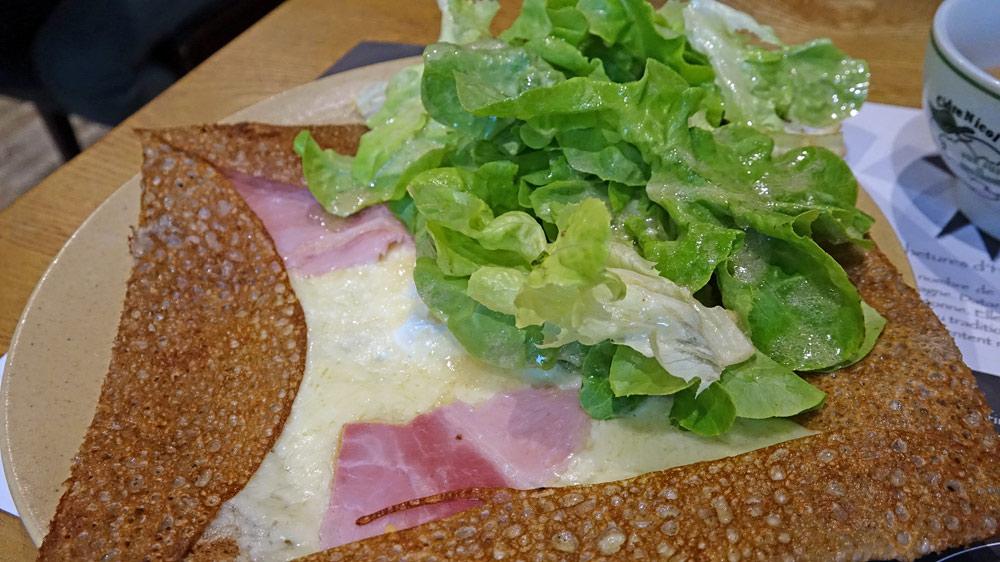 Galette complète (jambon, œuf, fromage)