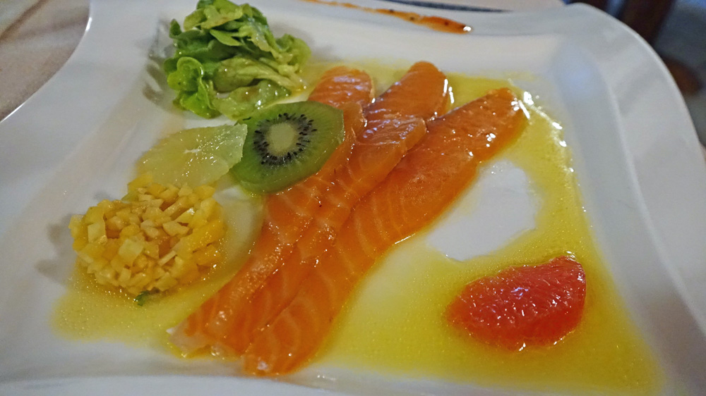 Saumon mariné aux saveurs exotiques