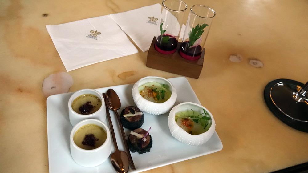 Crème d'avocat et Saint-Jacques au fruit de la passion - Tartare de canard - Royale de foie blond et foie gras - Déclinaison sur la betterave