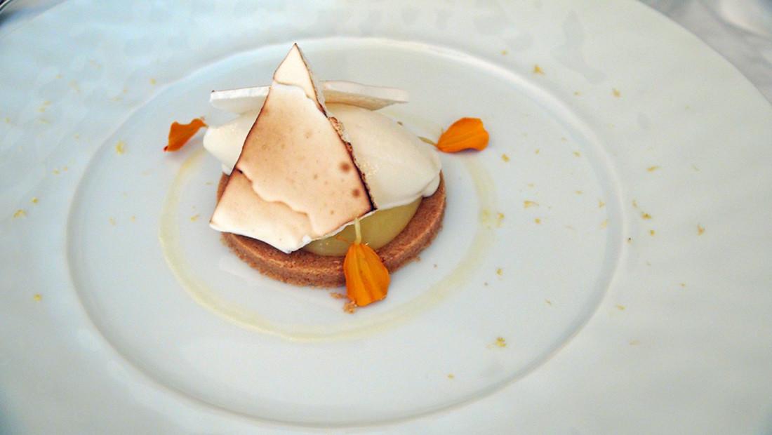 Tarte au citron et sa glace à la meringue