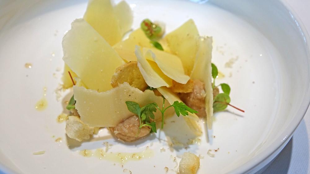Beaufort & Parmesan (24 mois) en fines lames / dattes en « ganache »