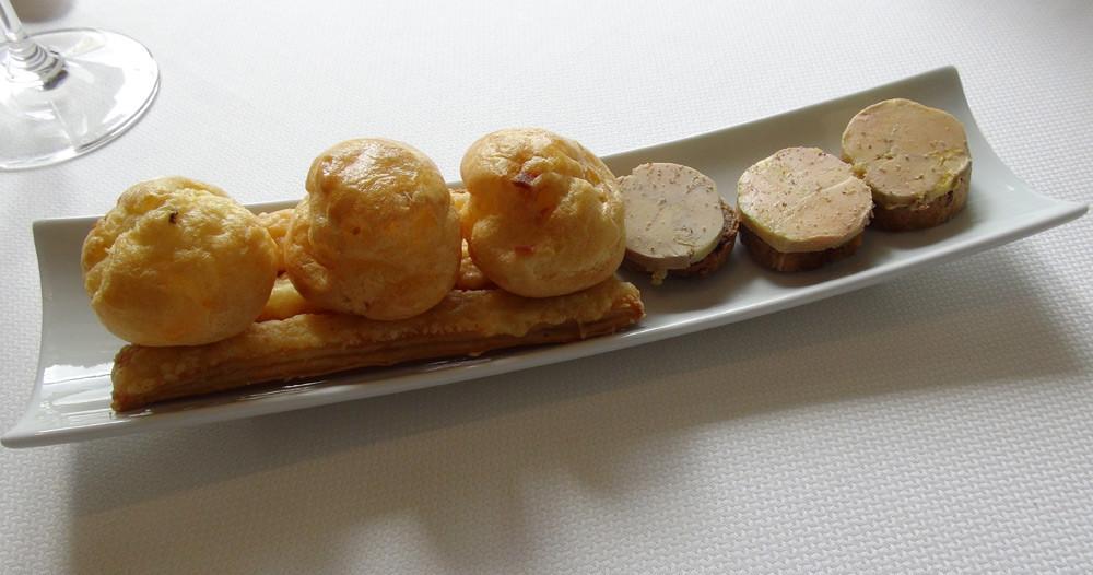 Amuse-bouche (Toast de foie gras de canard et Allumettes)