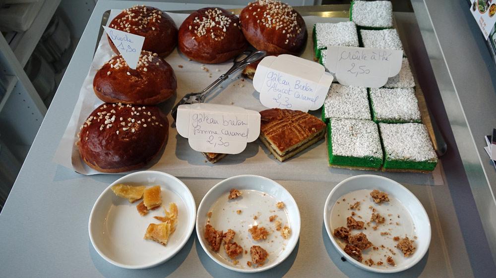 Croûtes à thé, Gâteaux bretons abricot/caramel & pommes/caramel, Brioches