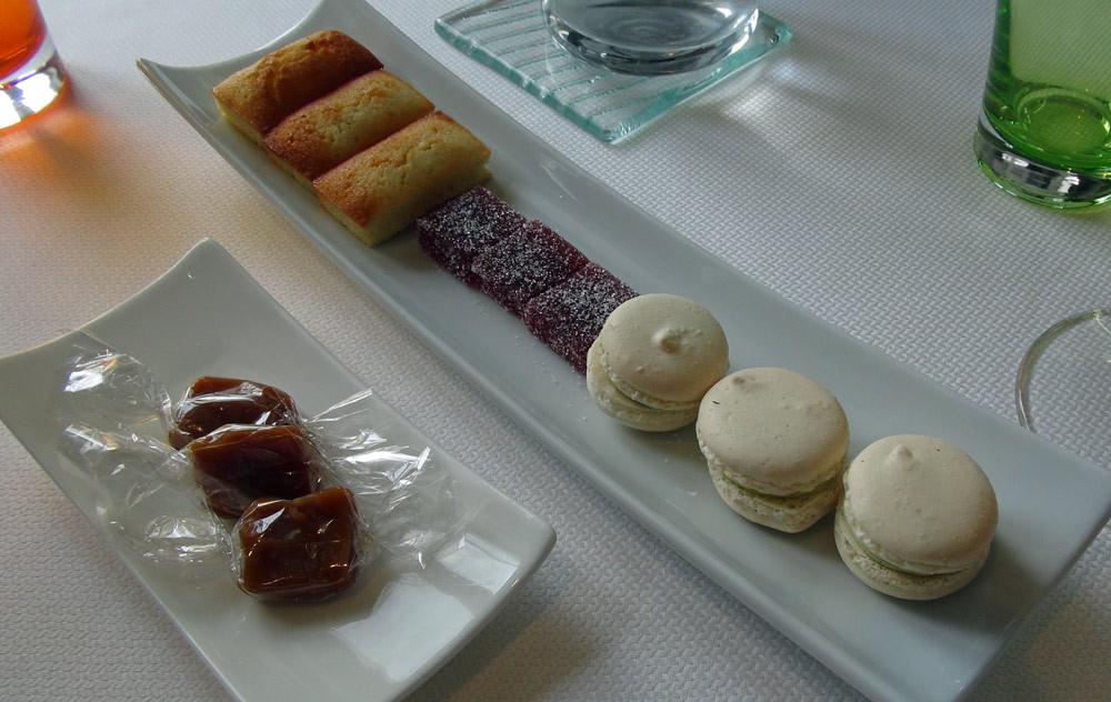 Financier, Pâte de fruit, Macaron & Caramel
