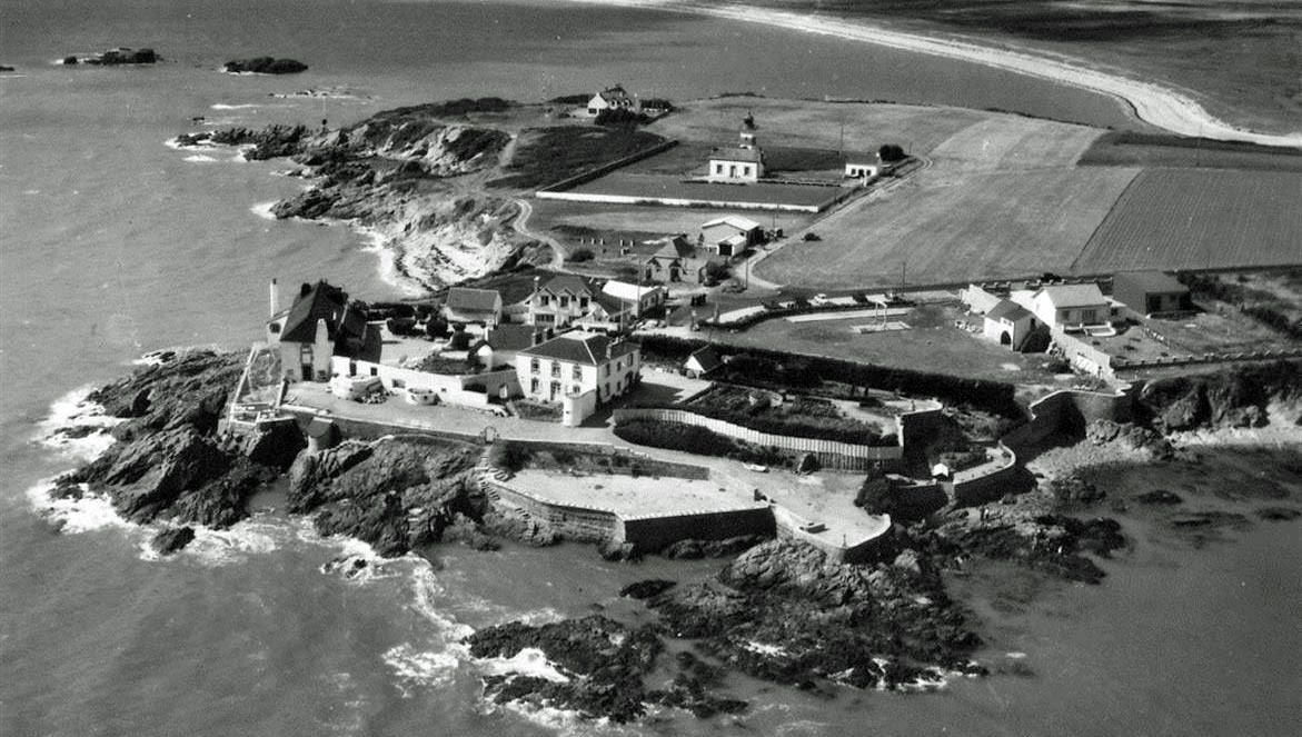 Le Domaine de Rochevilaine dans les années 50- Crédit photo : Domaine Rochevilaine - Editions Gaby