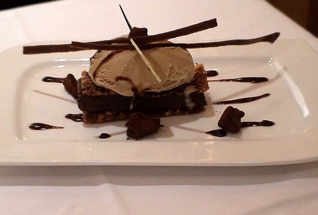 Le croustillant au chocolat noir & praliné