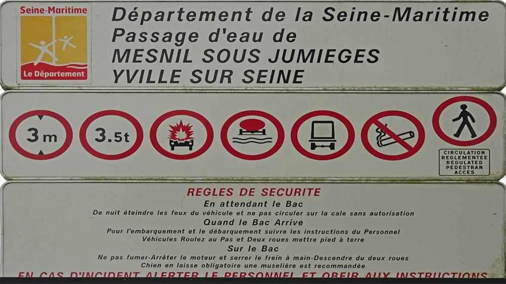 Le bac, gratuit, de Mesnil-sous-Jumièges pour se rendre à Yville-sur-Seine