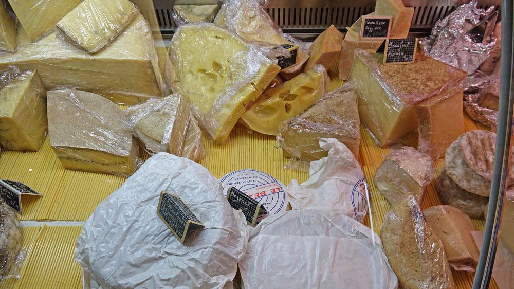 Quelques fromages, dont le fameux Bezenet
