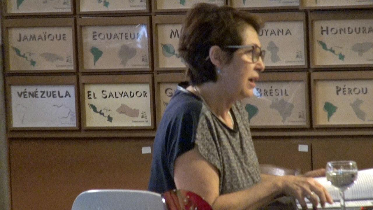 Gloria Montenegro (en plein cours de caféologie)