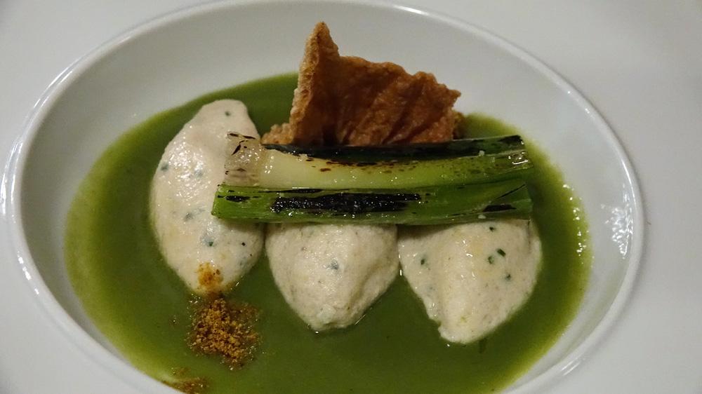 Quenelles de poissons de Loire, poireaux