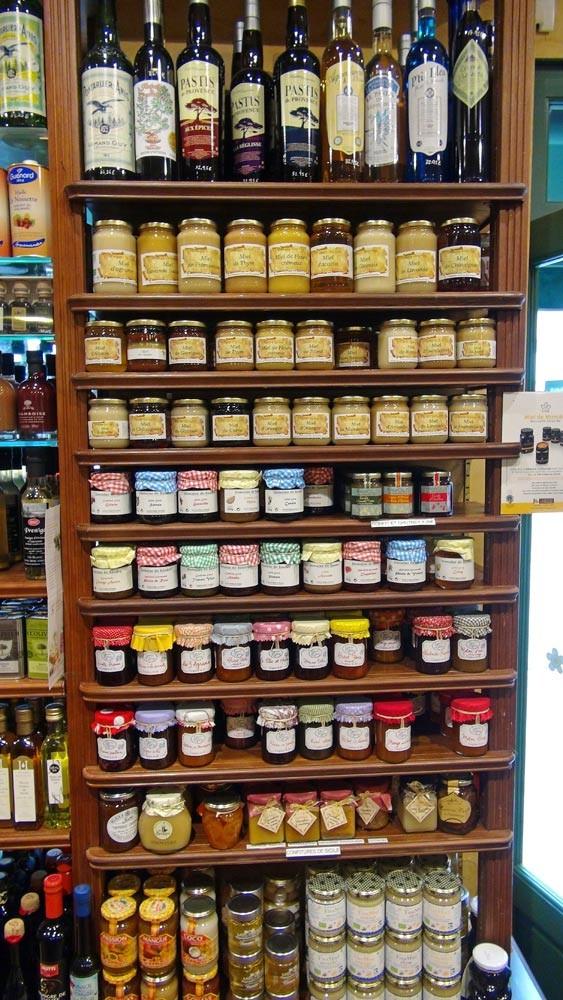 Apéritifs anisés, miels & confitures